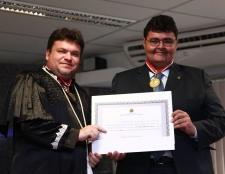 Presidente da OAB/MA é condecorado com a Medalha do Mérito Eleitoral